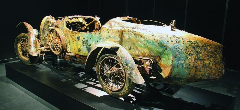 Уникальный Bugatti пролежал в озере 72 года и подорожал 1