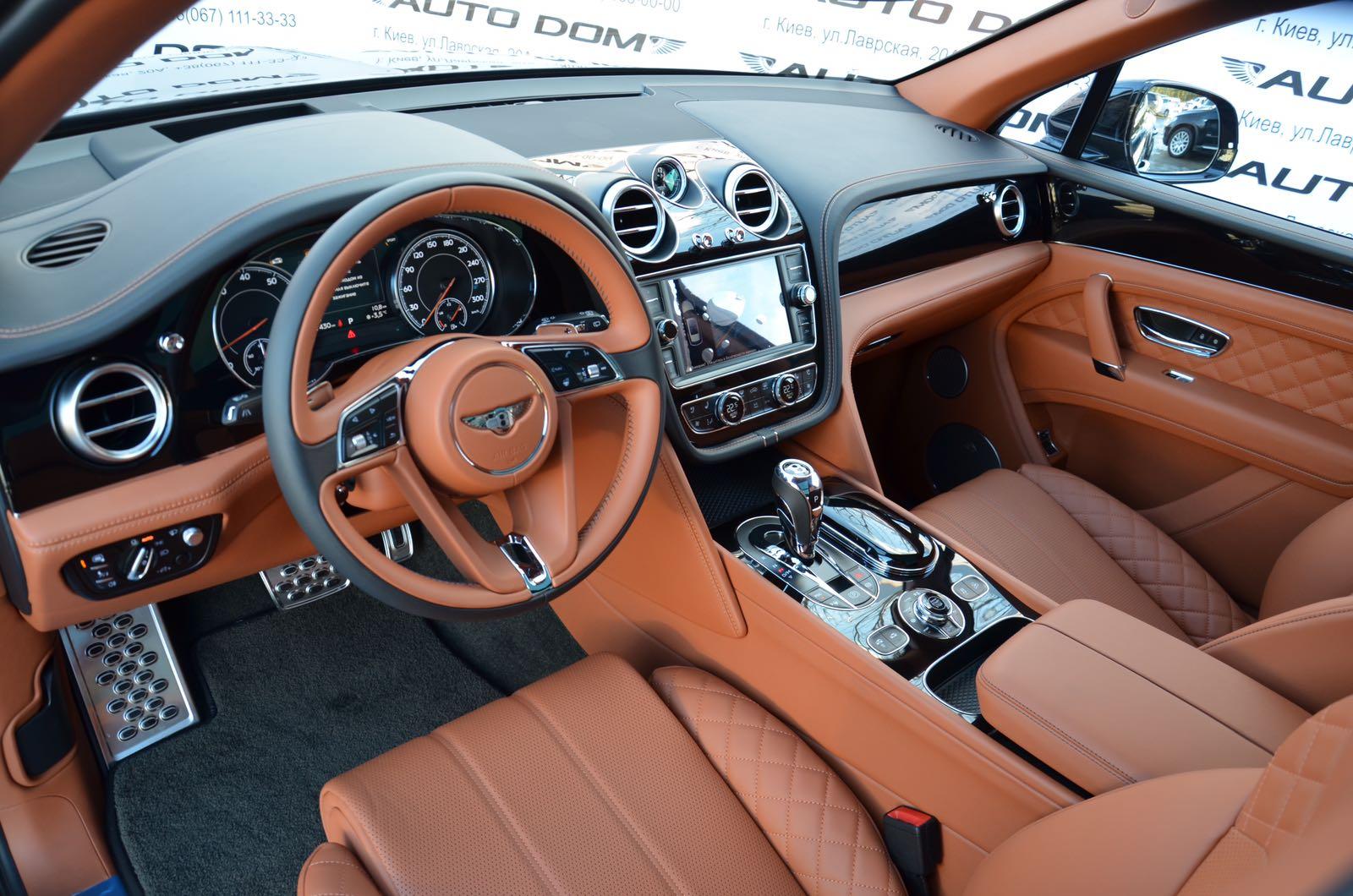 «Чужой среди своих»: тест-драйв Bentley Bentayga 3
