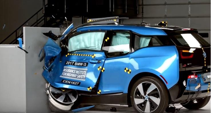 Экологичные автомобили Tesla и BMW i3 провалили краш-тесты 2
