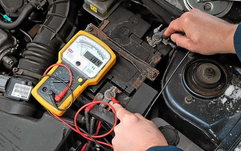 Как проверить автомобильный аккумулятор вольтметром 1