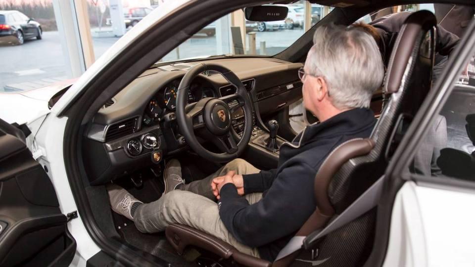 Основатель марки Pagani приобрел эксклюзивный Porsche 3