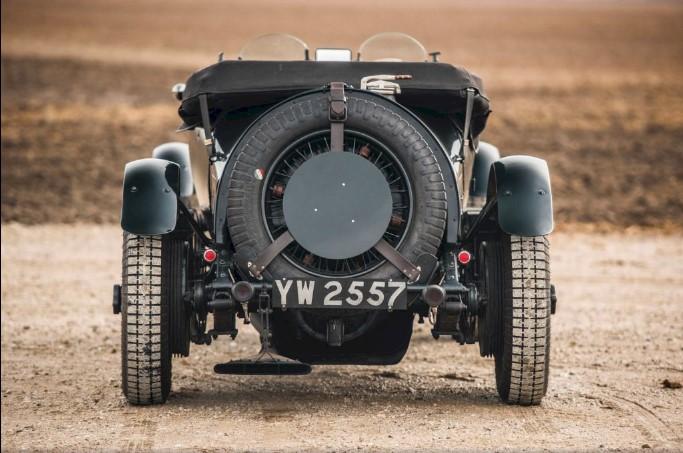 89-летний спорткар Bentley продают по цене 35 кроссоверов Bentayga 2