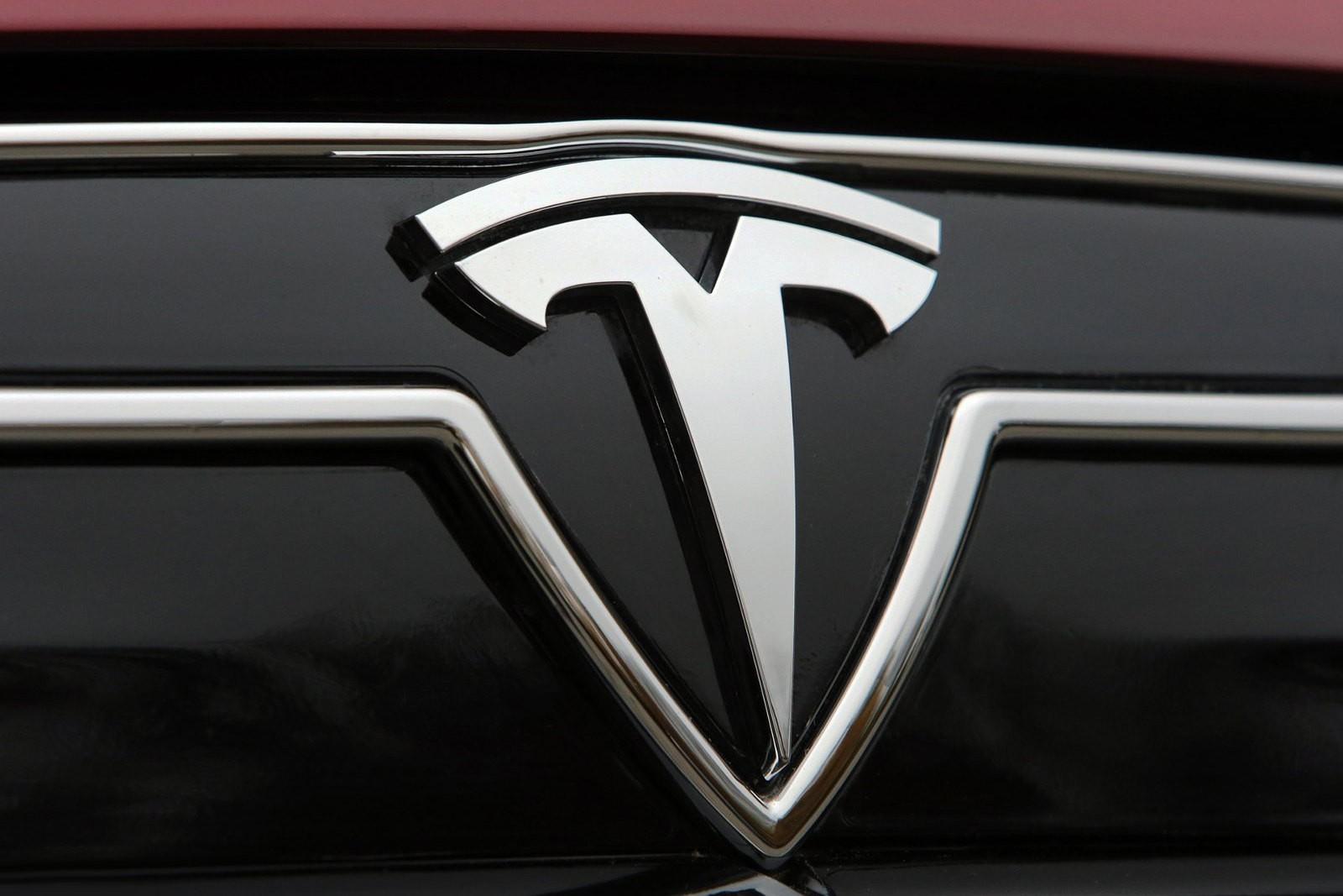 Глава марки Tesla раскрыл правду про фирменный логотип 2