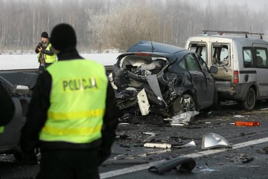 В Польше из-за тумана столкнулось более 60 автомобилей 3