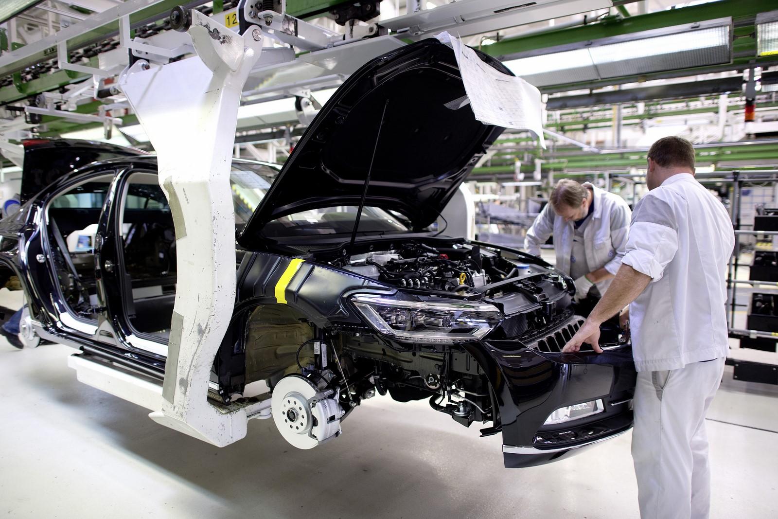 Volkswagen приостановит работу завода, где собирают Passat 2