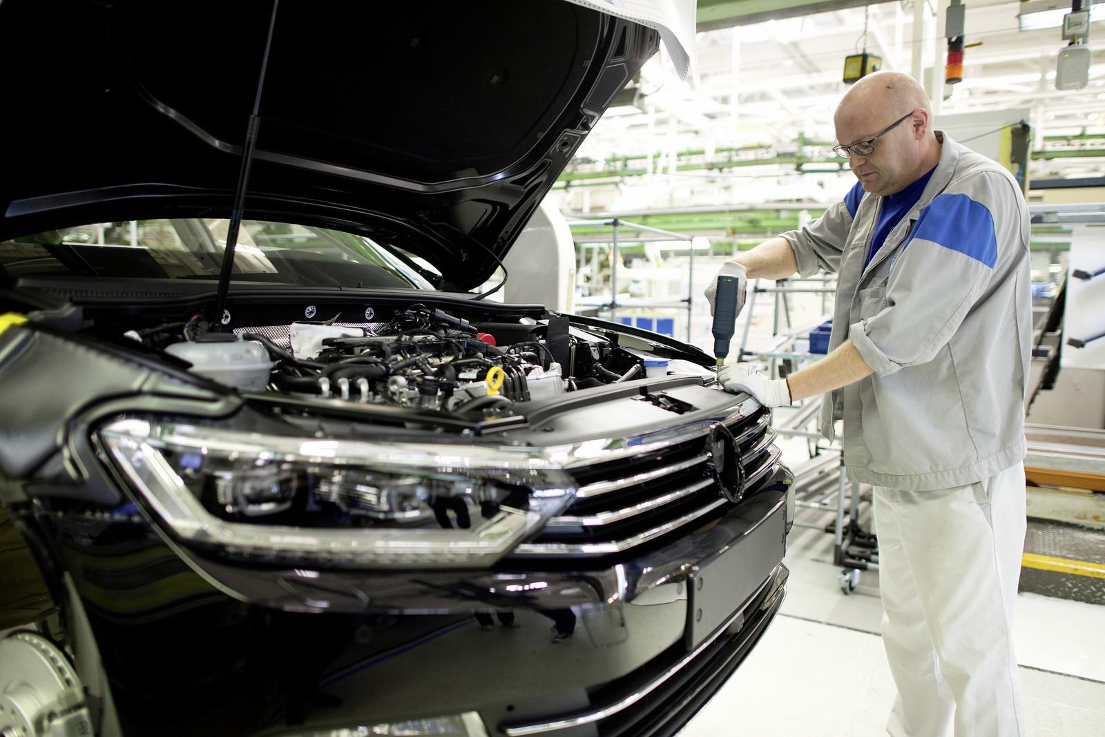 Volkswagen приостановит работу завода, где собирают Passat 1