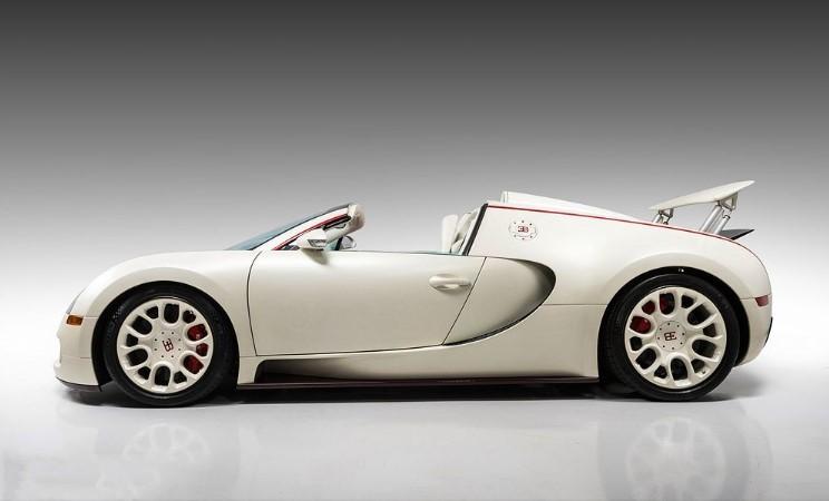 Bugatti, принадлежащий боксеру, выставили на аукцион 2