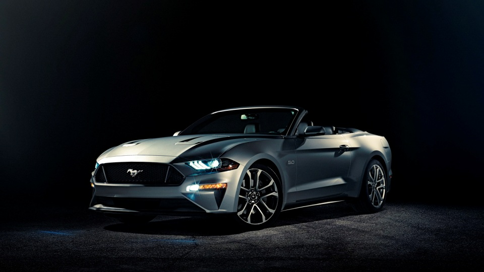 Ford обновил кабриолет Mustang 1