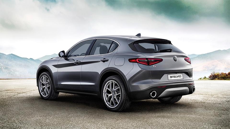 Alfa Romeo показала «слабый» кроссовер Stelvio 2