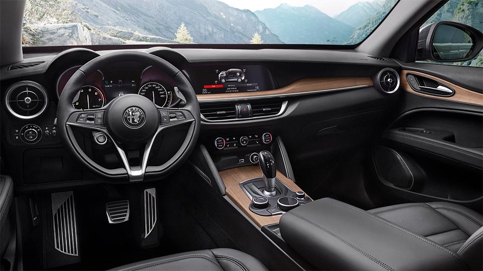 Alfa Romeo показала «слабый» кроссовер Stelvio 3