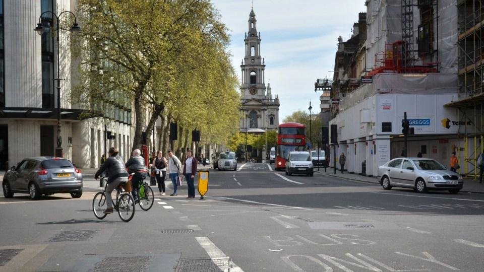 В Лондоне запретят оставлять машины с работающим мотором 1
