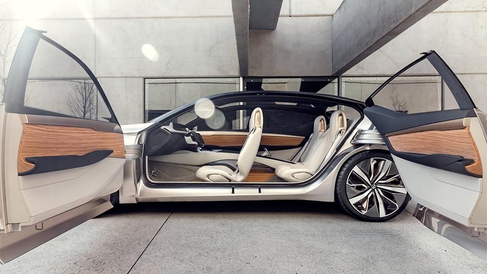 Nissan показал дизайн новых седанов на прототипе 2