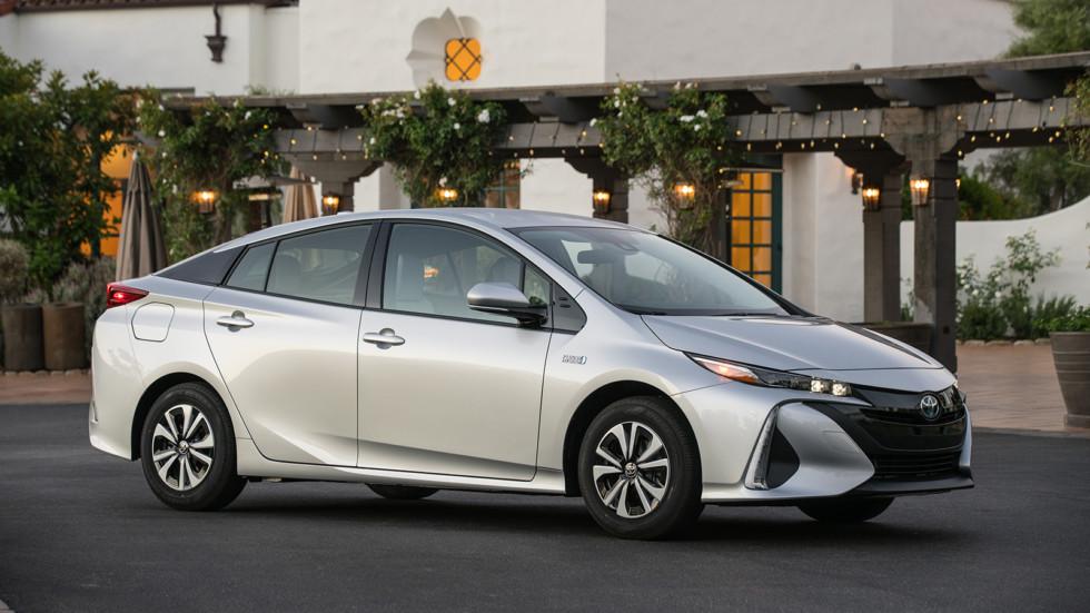 Парад новинок Toyota в Детройте возглавит новая Camry 4