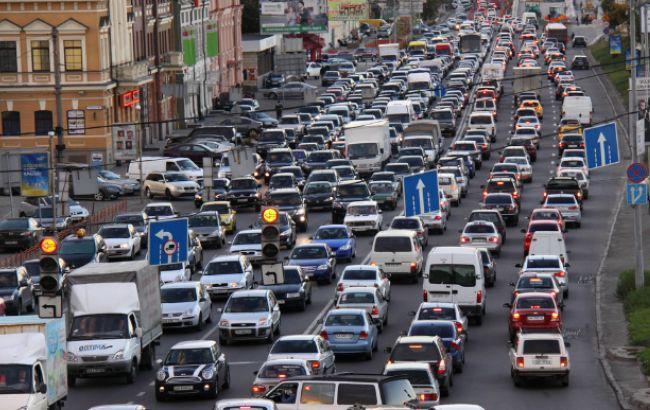 Столичные улицы замерли в масштабных пробках 1