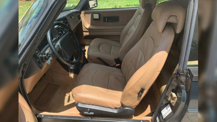 Уникальный 26-летний Saab продают за огромные деньги 2
