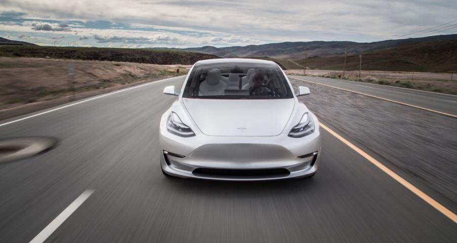 В Германии запретили рекламу «автопилота» Tesla 1