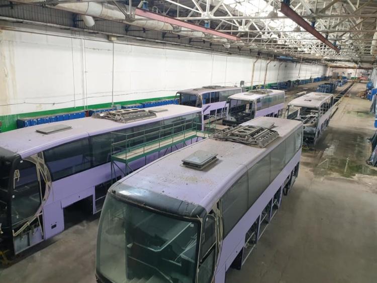 В Сети показали гигантское кладбище автобусов на заводе ЛАЗ 2