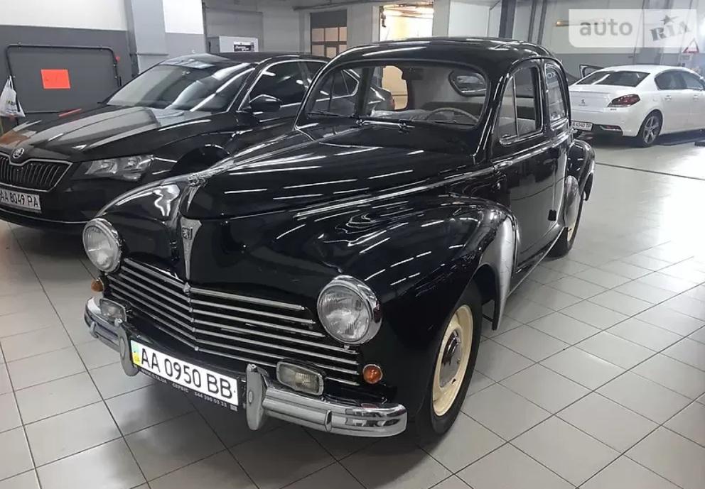 В Украине продают уникальный 71-летний Peugeot 1