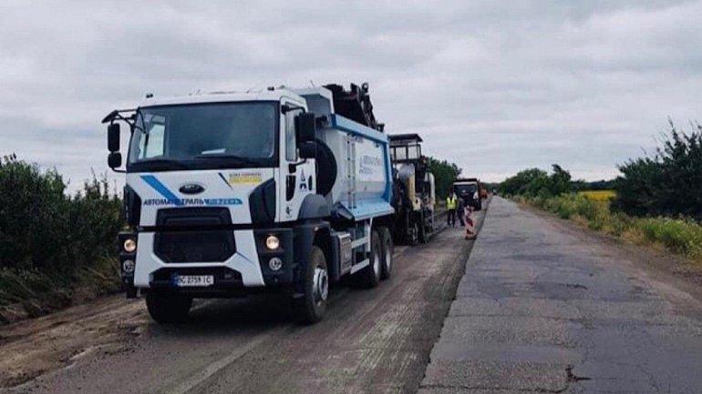 Cтартовал ремонт одной из худших дорог Украины 1