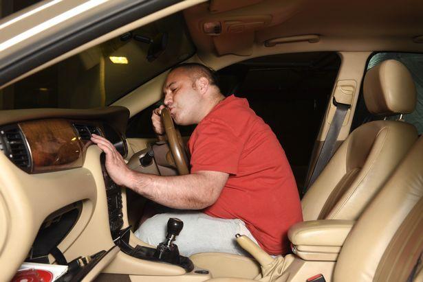 Житель Великобритании показал, насколько сильно он любит свое авто 5