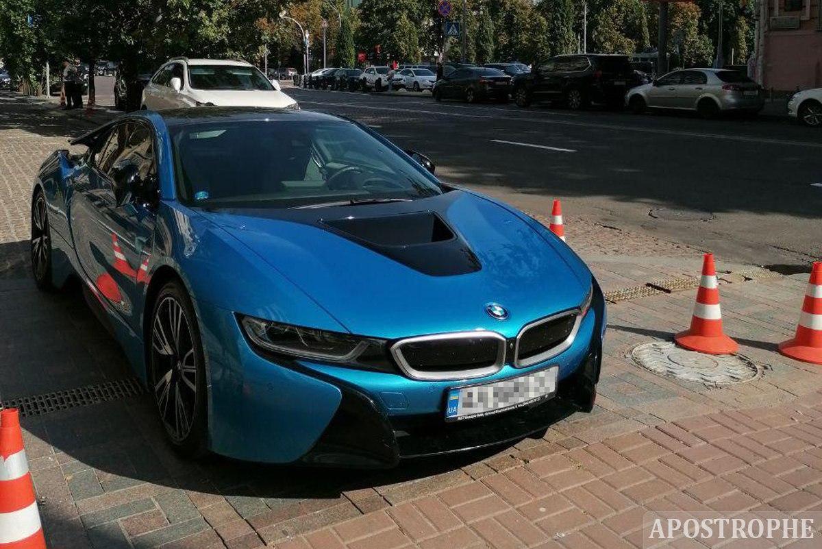 В Украине заметили футуристический BMW, который стоит миллионы 1