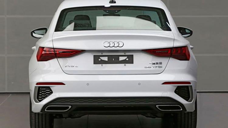 Audi представила «растянутый» седан А3 2