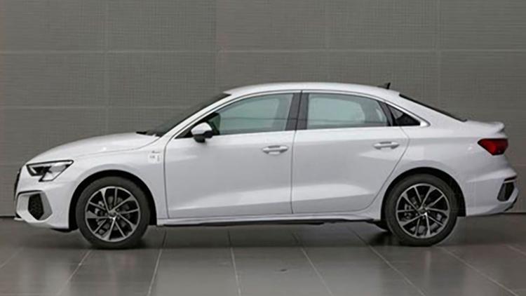 Audi представила «растянутый» седан А3 1