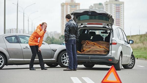 Украинским водителям напомнили о типичных автоподставах на дороге 1