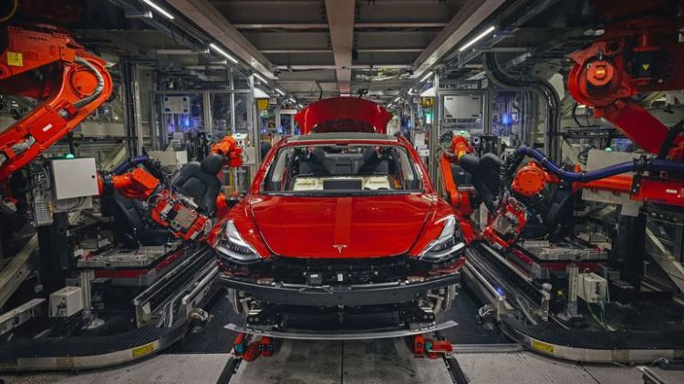 Илон Маск рассказал о будущих трудностях компании Tesla 1