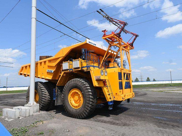 БелАЗ выпустил первый самосвал-троллейбус 1