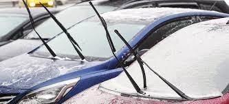 Почему оставлять машину с поднятыми дворниками — плохая идея 1