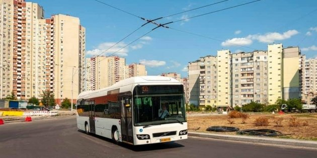 По Киеву начали курсировать люксембургские автобусы-гибриды 1