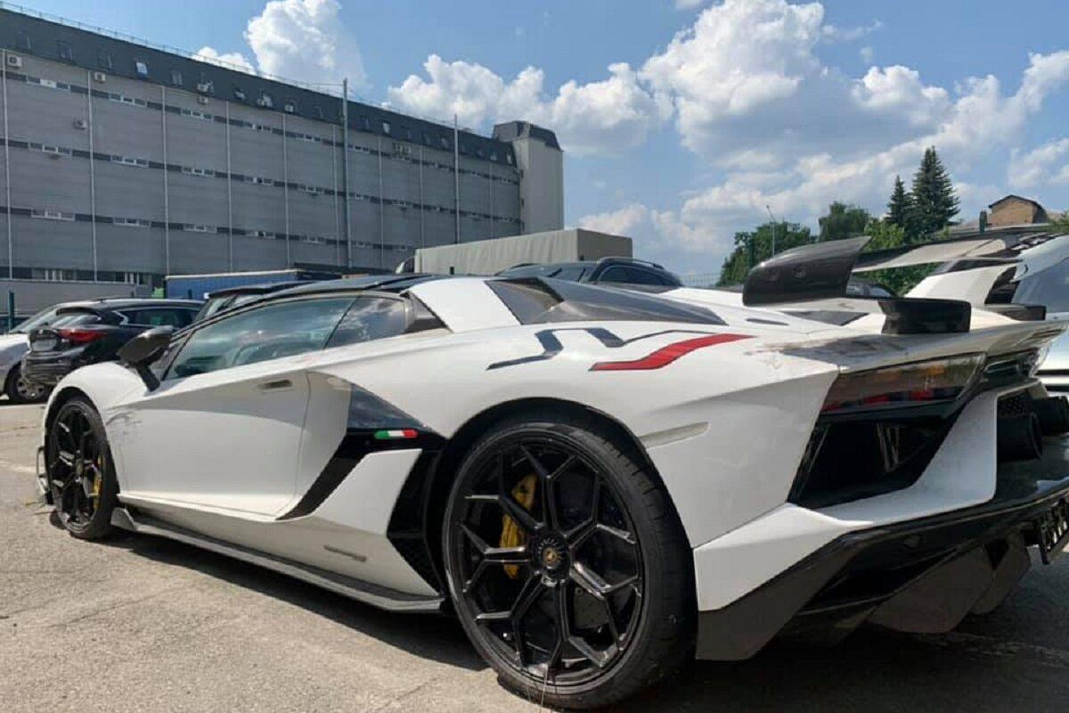 Таможня конфисковала эксклюзивный Lamborghini за 600тыс. евро 2