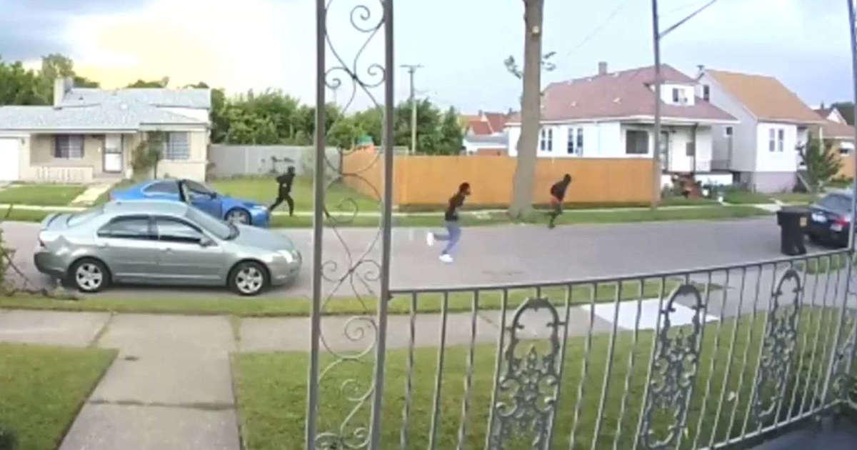 Трое автоугонщиков не смогли справиться с МКПП (видео) 1