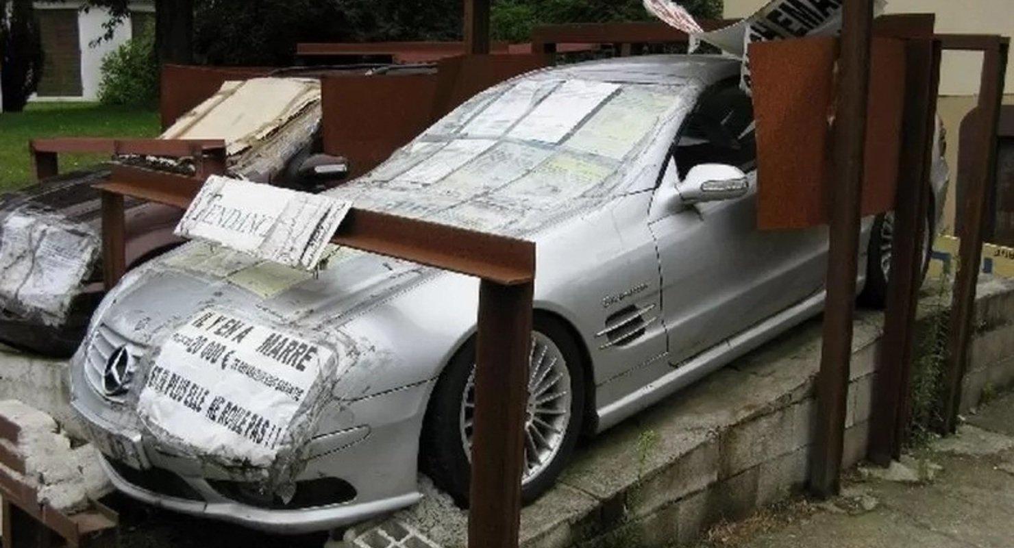 В знак протеста: француз призывает обратить внимание на низкое качествоавтомобилей Mercedes-Benz 2