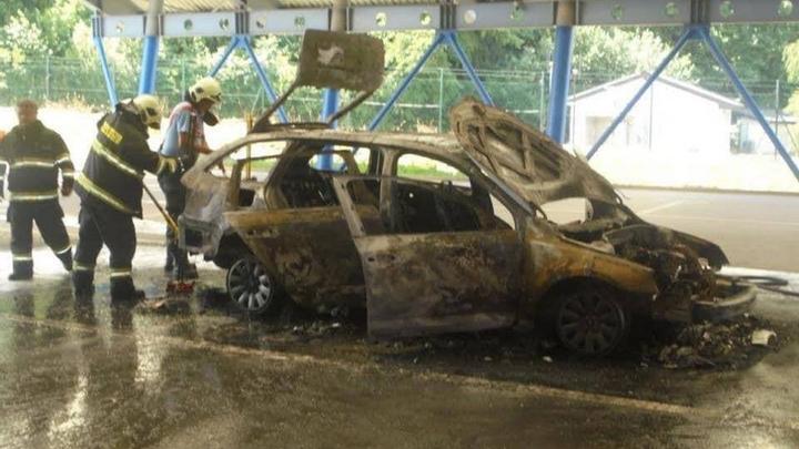 «Евробляхер» сжег машину прямо на украинской границе 1