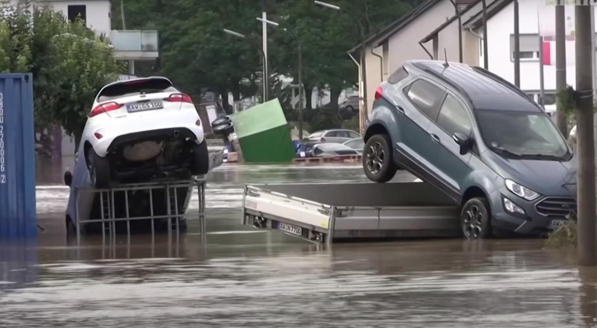 Словакия боится наплыва утопленных автомобилей из Германии, Бельгии и Нидерландов 1