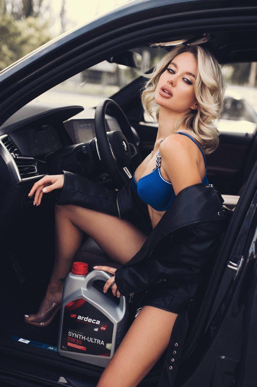 Знаменитая украинская фотомодель снялась в рекламе бельгийского моторного масла Ardeca 1