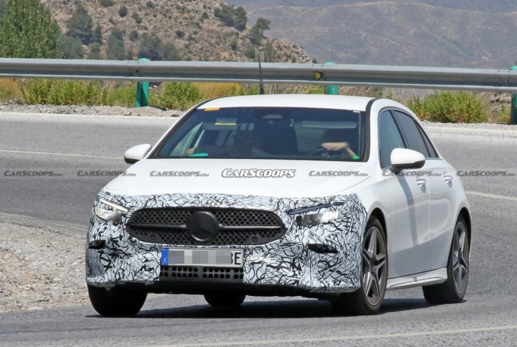 Появились свежие фото хэтчбека Mercedes A-Class 1