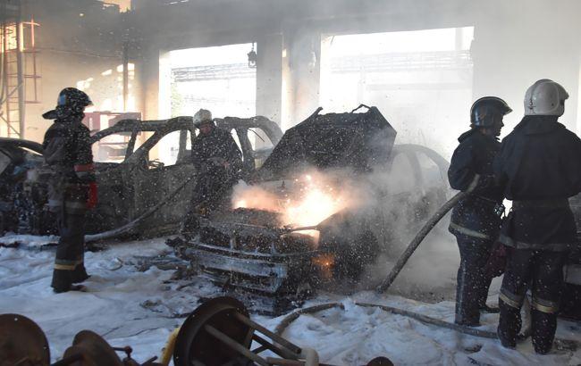 На территории нефтеперерабатывающего завода в Одессепроизошел пожар 1