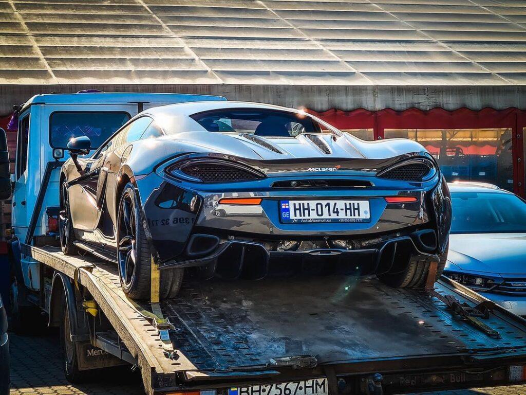 В Украине появился очередной эксклюзивный автомобиль 1