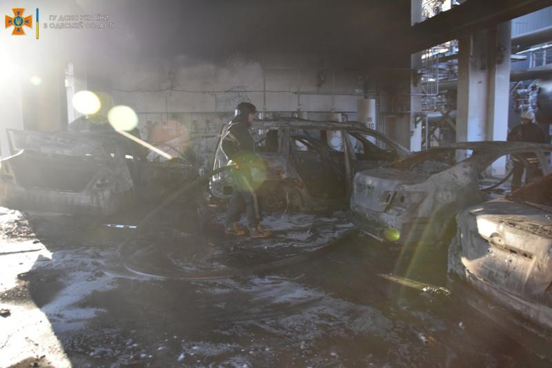 На территории нефтеперерабатывающего завода в Одессепроизошел пожар 3