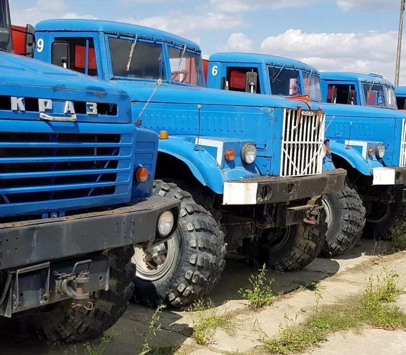 На фото показали огромную стоянку ненужных старых КрАЗов 2