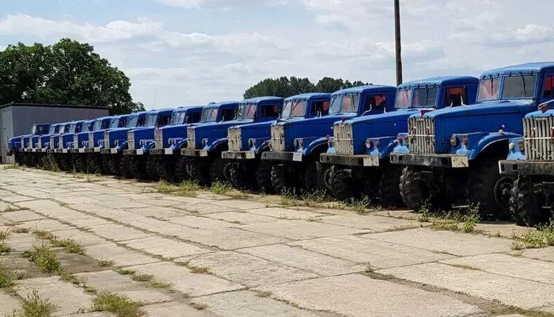 На фото показали огромную стоянку ненужных старых КрАЗов 1
