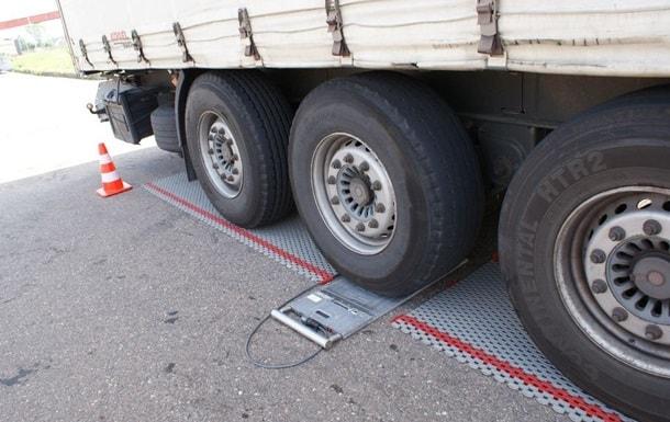 Каждый десятый грузовик в Украине ездит с перегрузом – МВД 1