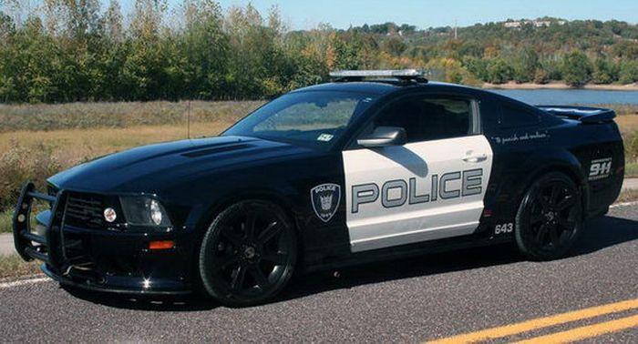 Ford Mustang провалил испытания на отбор в автопарк полиции 1