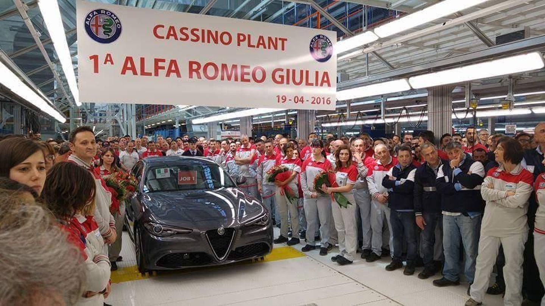 С конвейера сошел первый экземпляр Alfa Romeo Giulia 2