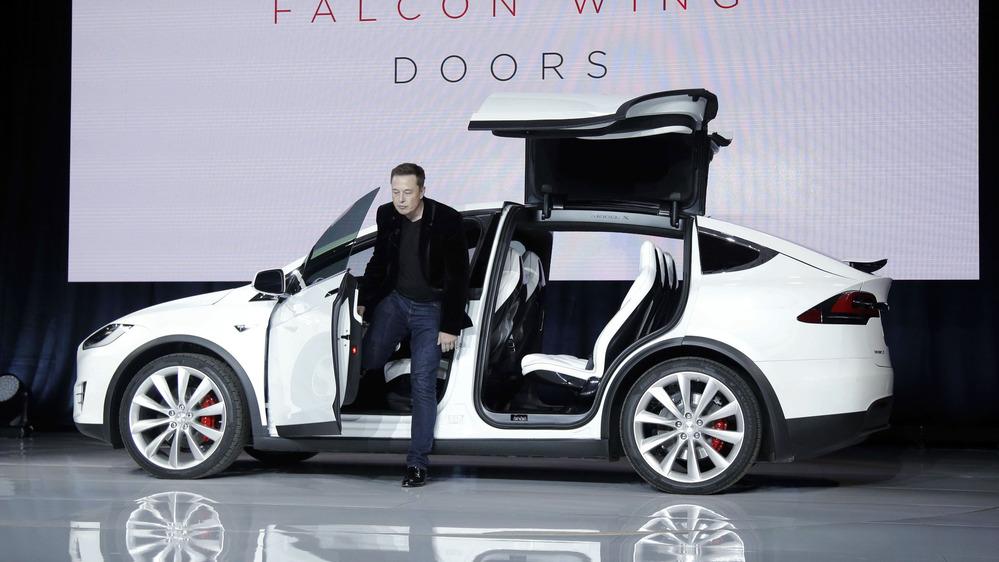 Владельцы Tesla Model X разочаровались в автомобиле 1