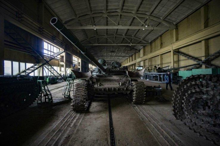 На украинском бронетанковом заводе «реанимируют» танки времен СССР 1