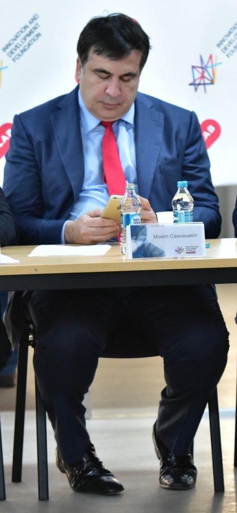 Мерседес Саакашвили стоимостью 4,4 млн грн перекрыл дорогу на глазах полицейских 2